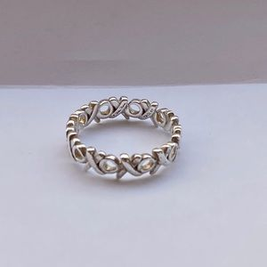Tiffany and Co. Paloma Picasso XOXO Ring